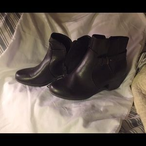 Boots brown NWT